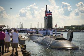 """ВМС США ограничили эксплуатацию трех новейших ПЛАТ типа """"Вирджиния"""""""